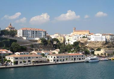 The waterfront at Port Mahón.